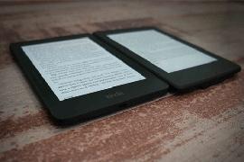 Primerjava Amazonovih e-bralnikov Kindle Paperwhite 3 in Kindle Voyage