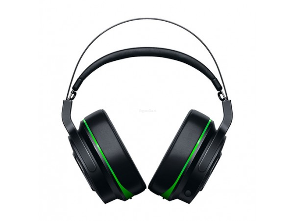 Slušalke Razer Thresher za Xbox One.
