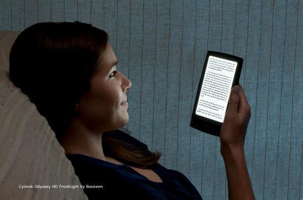 Cybook bralniki imajo zelo dobro bralno svetilko